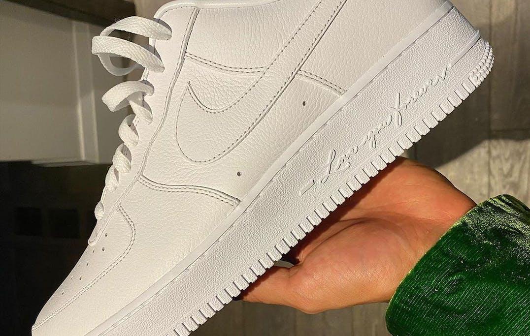 Drake x Nike Air Force 1 Certified Lover Boy Foto 1