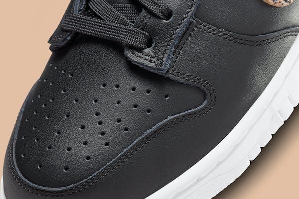 Nike Dunk Low SE Black Animal Swoosh Foto 7