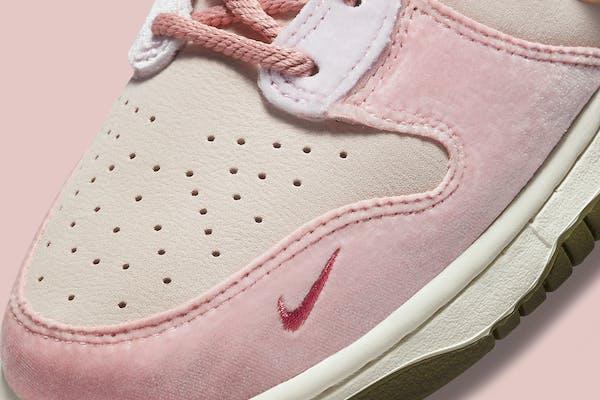 Social Status x Nike Dunk Mid Light Soft Pink Foto 2