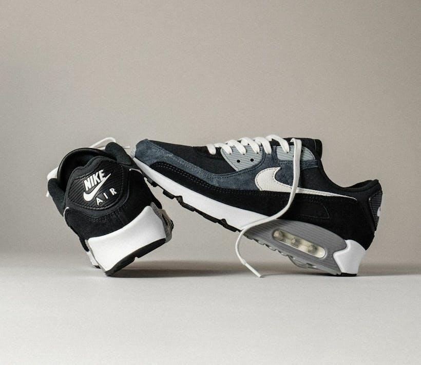 "Check deze Nike Air Max 90 Premium 'Off Noir"""