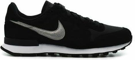AT0075-001 Nike WMNS INTERNATIONALIST
