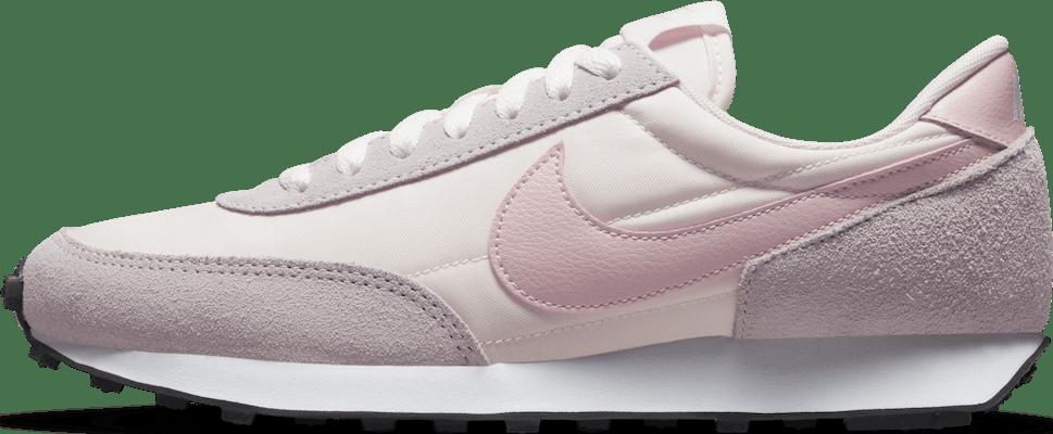 CK2351-603 Nike WMNS DBREAK