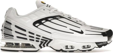 CK6716-100 Nike Tuned 3