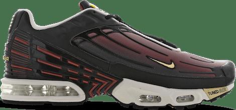 CT1693-001 Nike Tuned 3