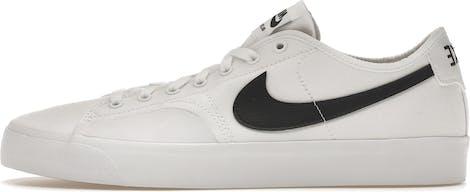 CV1658-101 Nike SB BLZR Court Skate