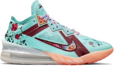 CV7562-400 LeBron 18 Low Basketbal